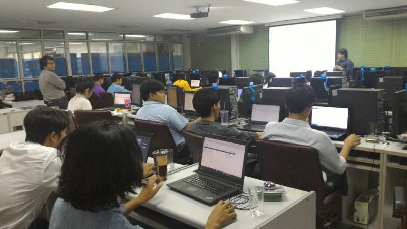 การฝึกอบรมหลักสูตร DevExpress Development tool for Web Application วันที่ 5-9 ตค.58